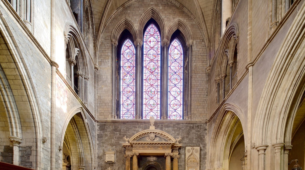 St. Patrick\'s Cathedral showing heritage architecture, interior views and a church or cathedral