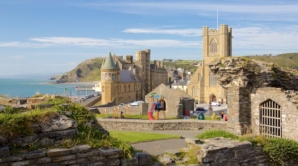 Aberystwyth featuring château or palace, building ruins and heritage elements