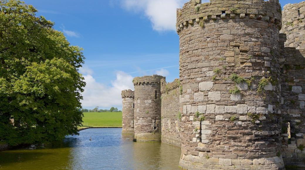 Beaumaris Castle das einen Burg, Fluss oder Bach und Geschichtliches