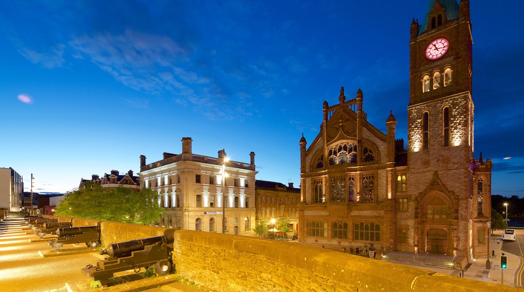 Guildhall which includes heritage architecture, night scenes and heritage elements