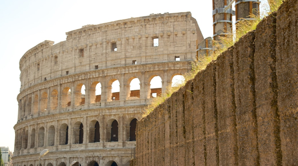 Monti som inkluderer historisk arkitektur, kulturarv og ruiner