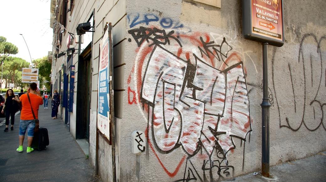San Giovanni mettant en vedette signalisation, scènes de rue et ville