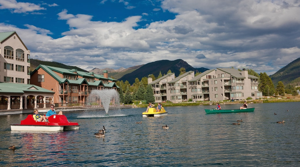 Keystone showing a lake or waterhole, kayaking or canoeing and a luxury hotel or resort