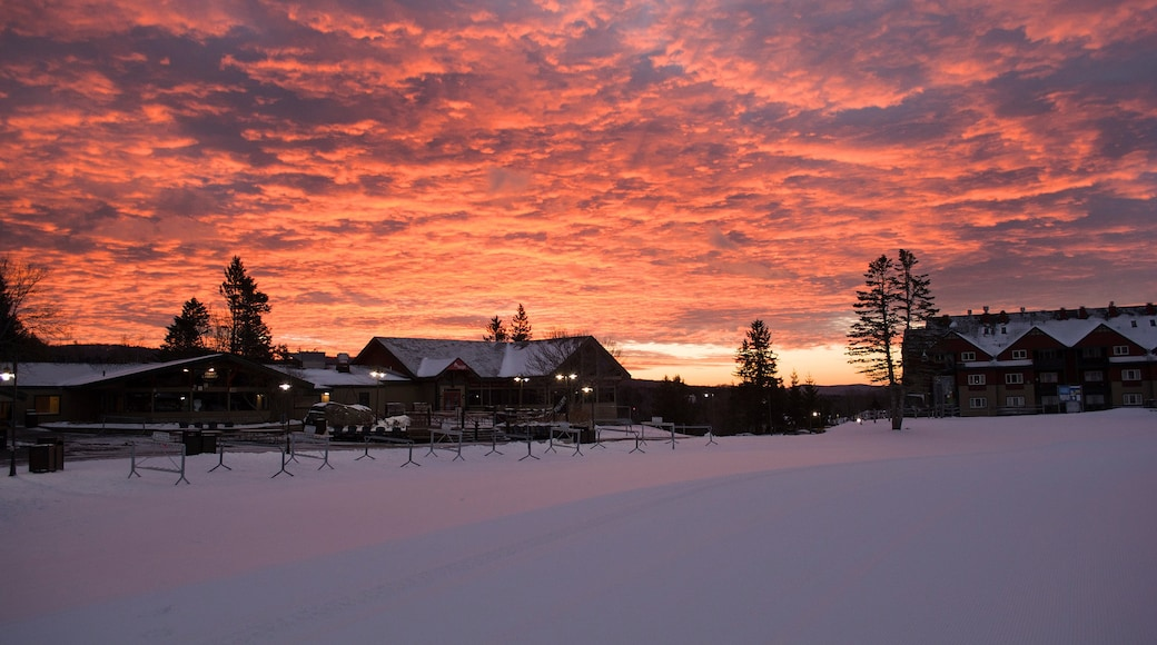 Mount Snow which includes snow and a sunset
