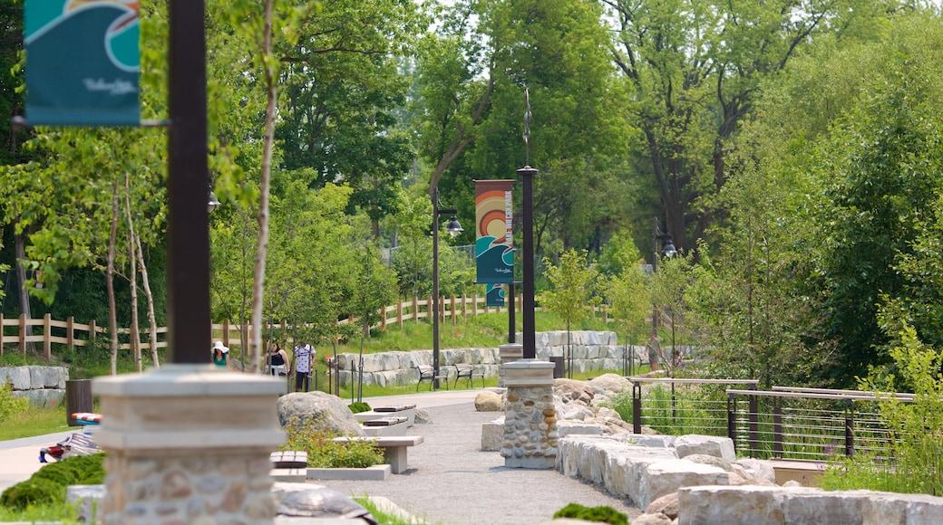 Richmond Hill which includes a park