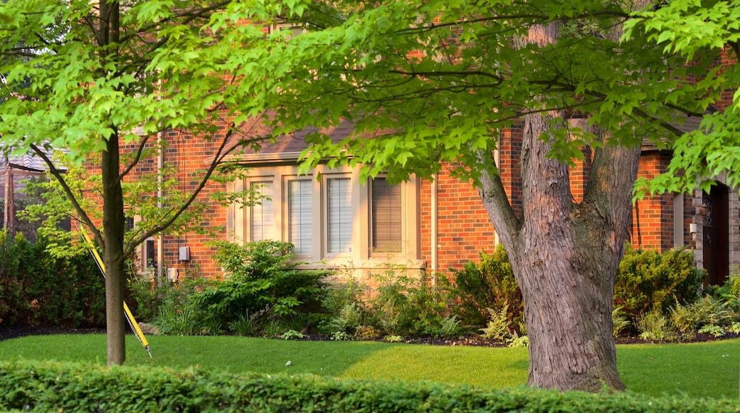 Etobicoke featuring a house
