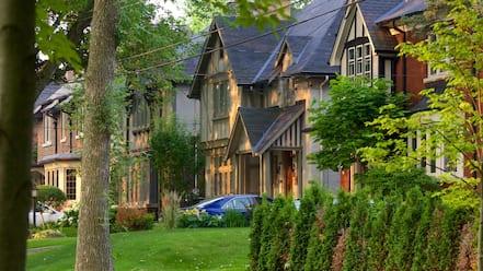 Etobicoke featuring street scenes