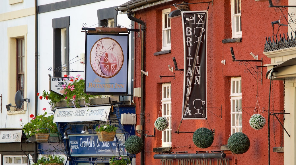 Crickhowell which includes signage, heritage elements and street scenes