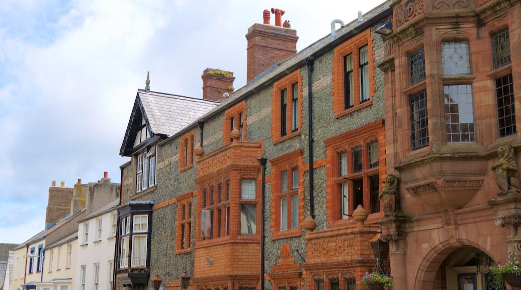 Conwy welches beinhaltet Geschichtliches und Straßenszenen