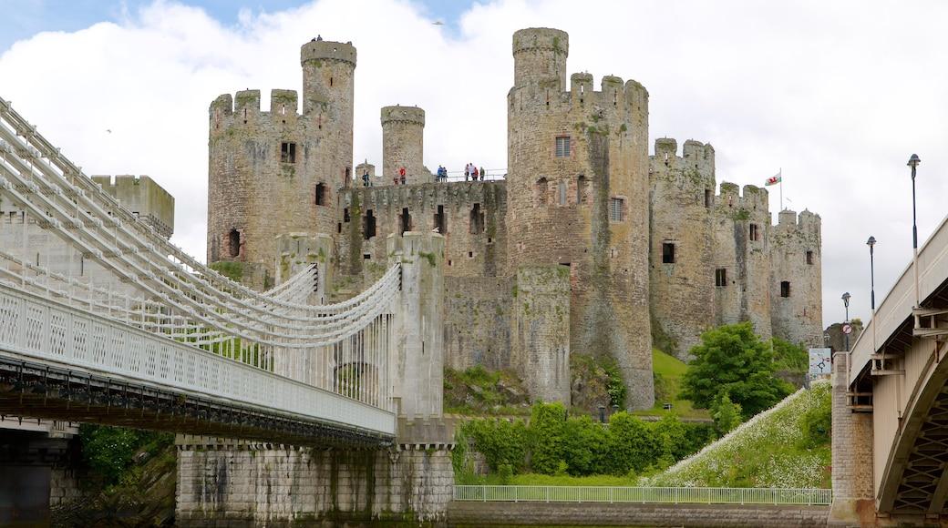 Conwy Castle das einen Geschichtliches, Brücke und Palast oder Schloss