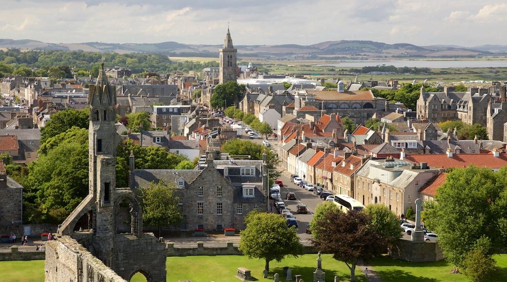 St. Andrew\'s Cathedral presenterar en stad och landskap