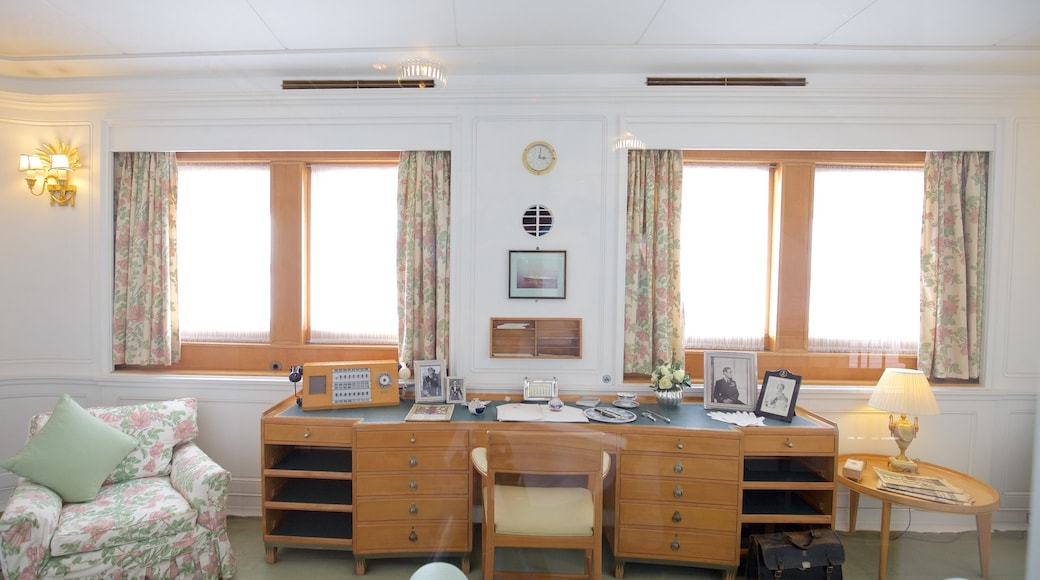 Royal Yacht Britannia mettant en vedette vues intérieures, patrimoine historique et navigation