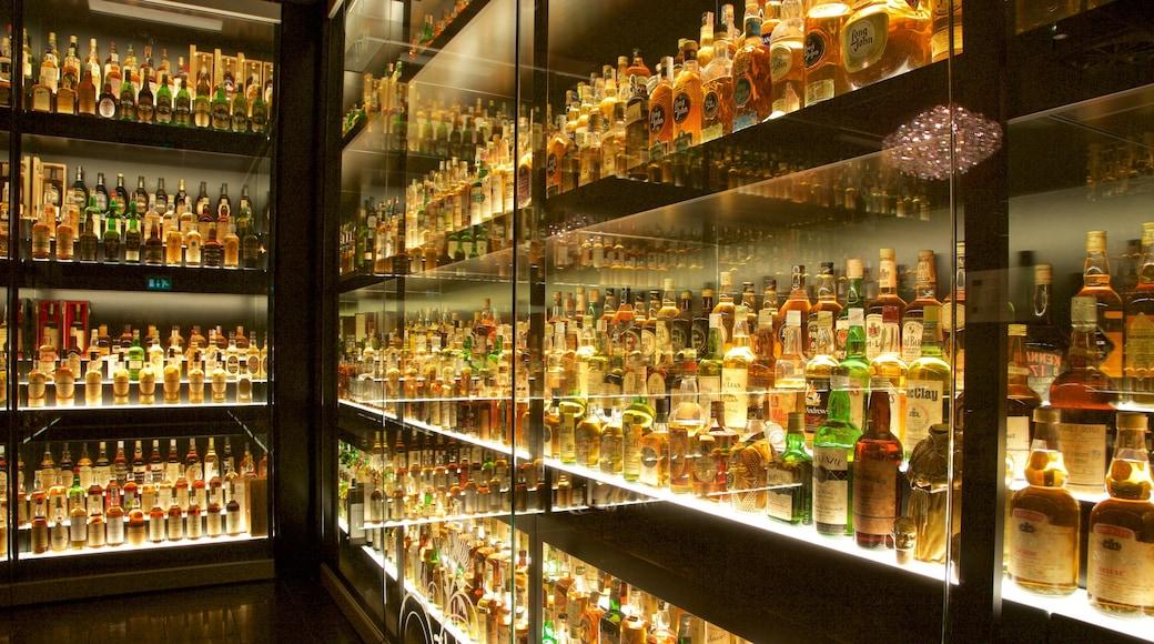 Scotch Whisky Heritage Centre mettant en vedette boissons et vues intérieures