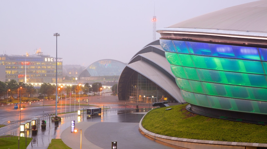 The SSE Hydro featuring street scenes and mist or fog
