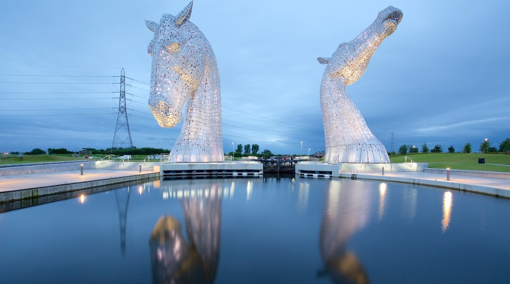 Grangemouth which includes outdoor art and a pond