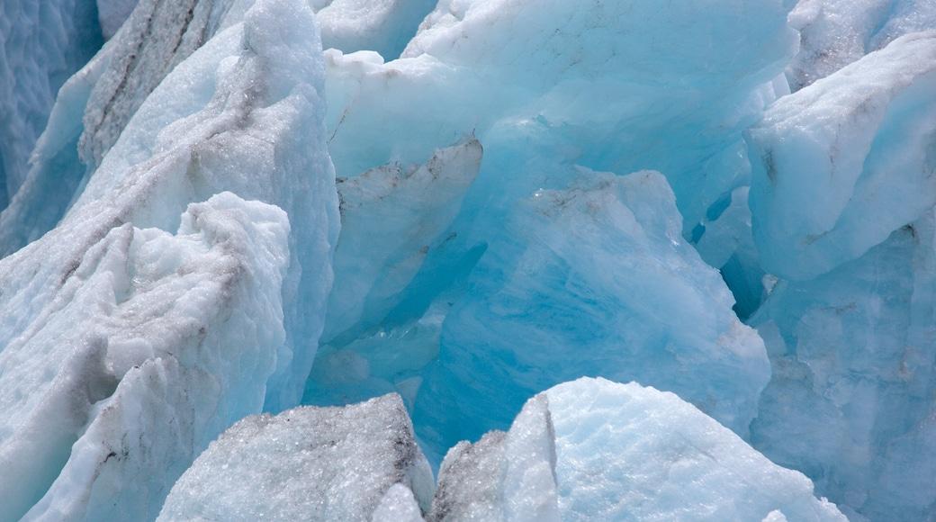 Seward mit einem Schnee