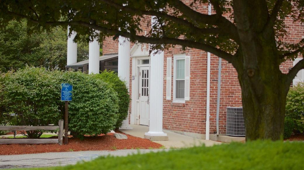 Burlington showing a house