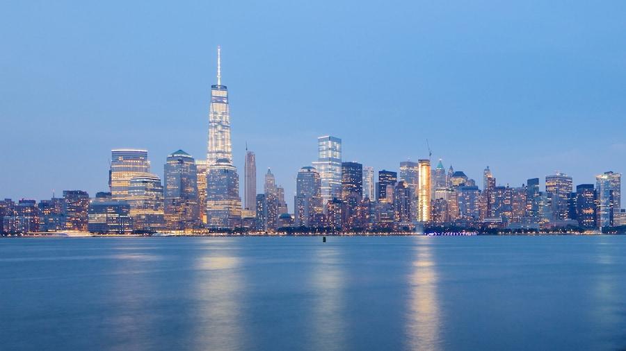 Parc d\'État Liberty qui includes cbd, ville et scènes de nuit