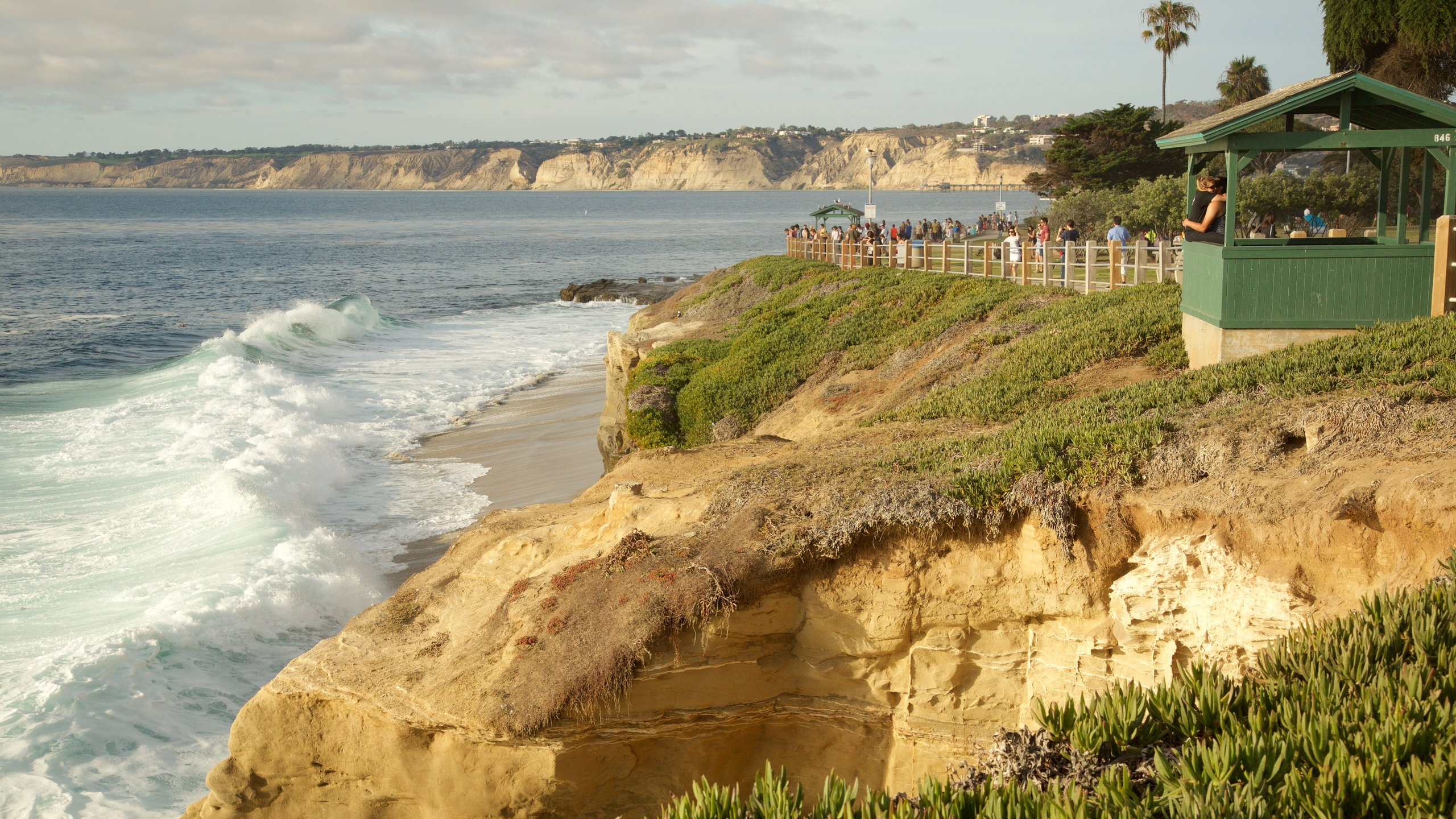 La Jolla which includes rugged coastline and views