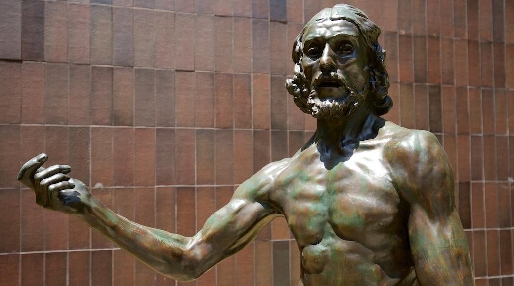 Norton Simon Museum featuring a statue or sculpture