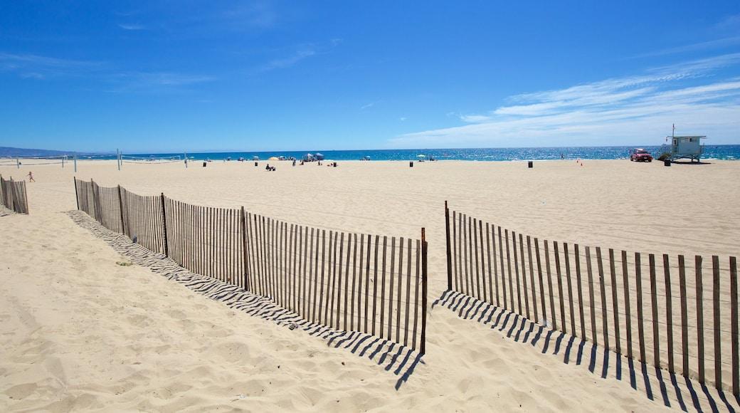 El Segundo which includes a beach