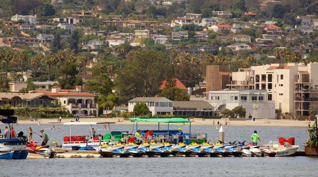 Mission Bay showing general coastal views