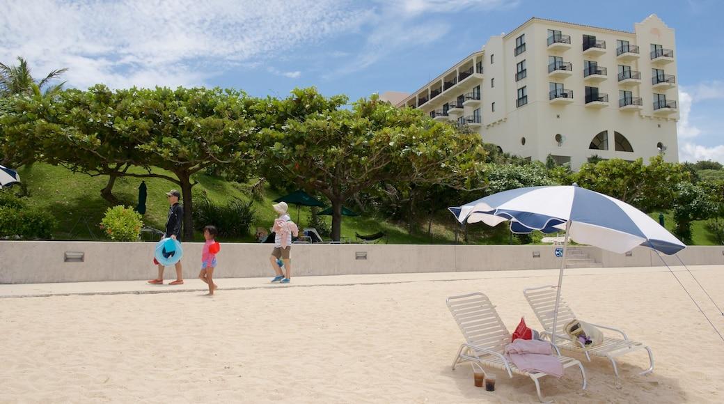 니라이 해변 을 특징 호텔 과 해변 뿐만 아니라 어린이