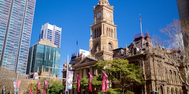 Sydney Town Hall which includes cbd, heritage architecture and a city