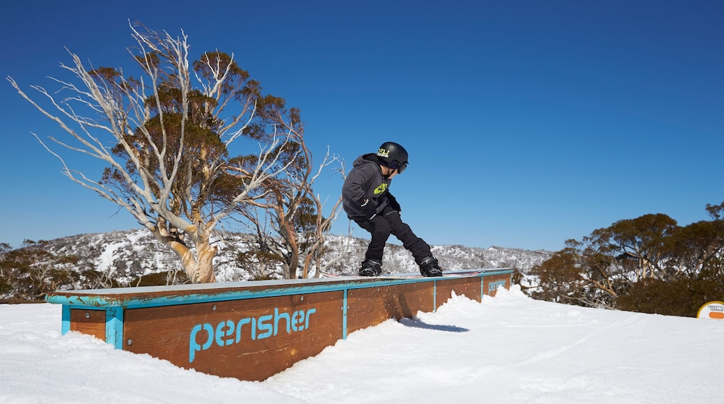 Perisher Ski Resort featuring snowboarding and snow