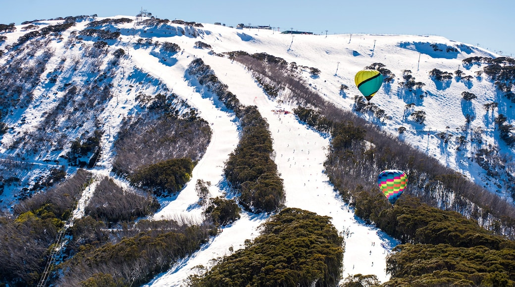 Mt. Buller Ski Slopes showing ballooning, snow and mountains