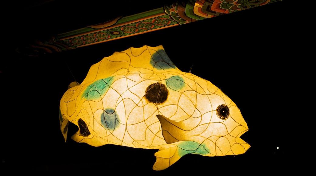 月精寺 呈现出 宗教方面 和 藝術