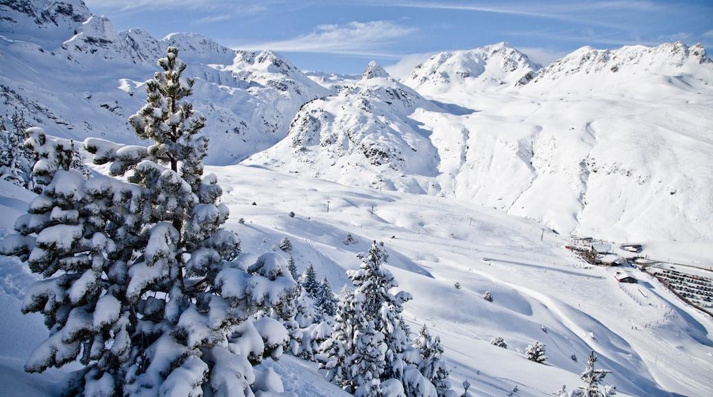 Station de ski de Formigal montrant neige et montagnes
