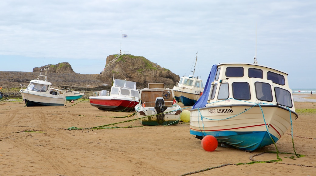 Bude Beach showing boating and a beach