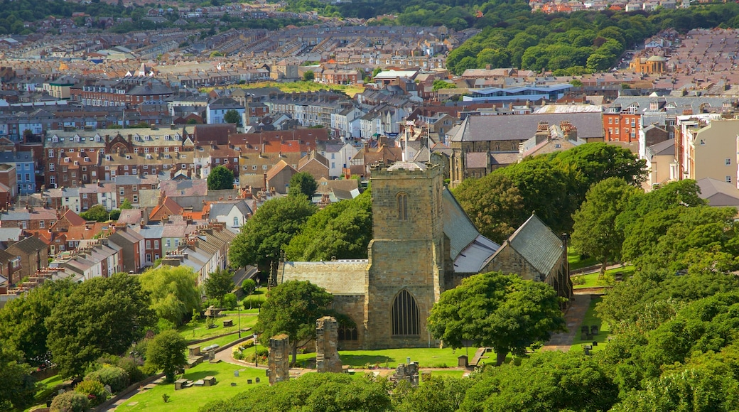 Scarborough which includes heritage architecture and a coastal town