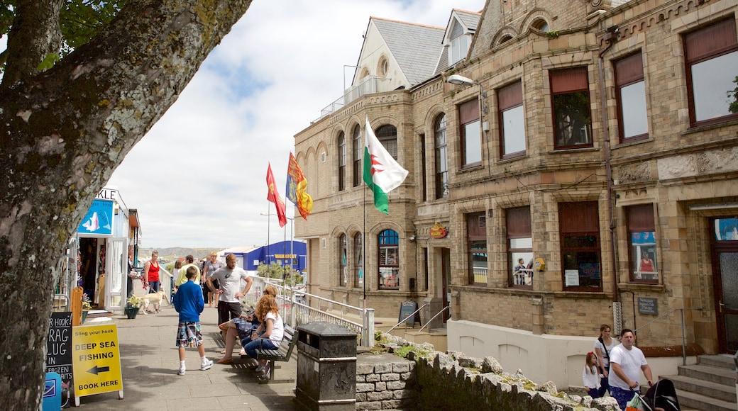 紐基 其中包括 海邊城市, 購物 和 歷史建築