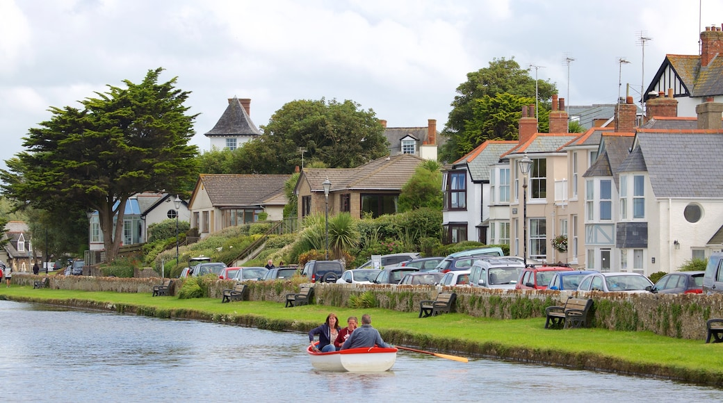 Bude which includes boating and a coastal town