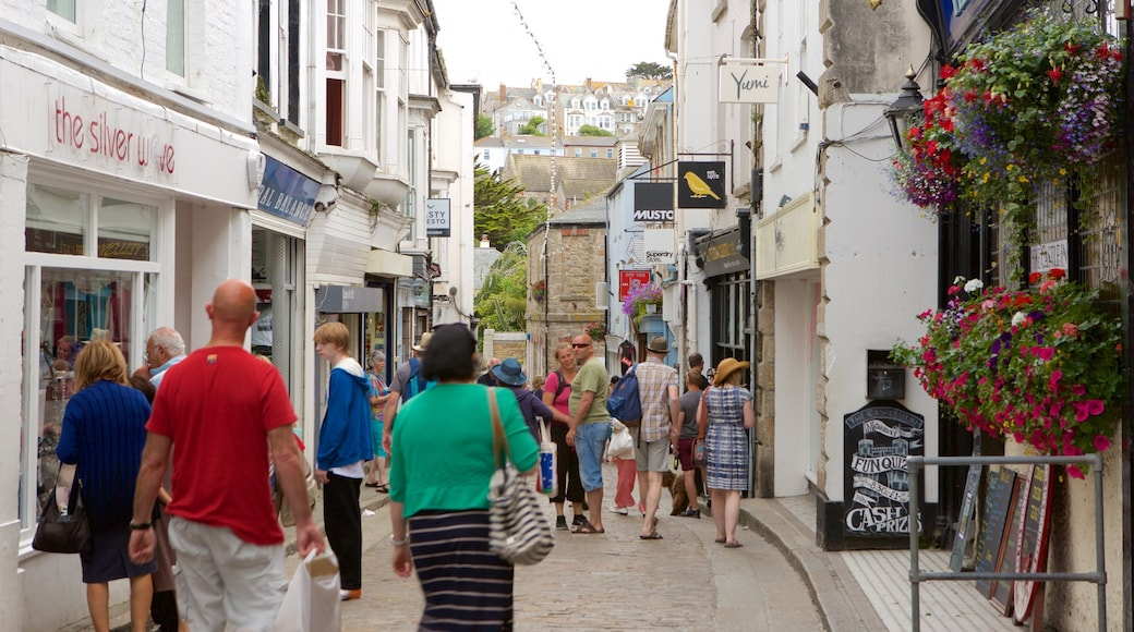 St Ives qui includes scènes de rue, shopping et signalisation