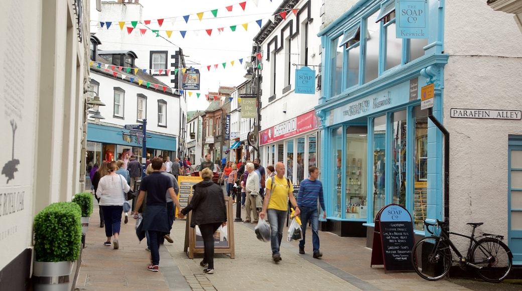 Keswick showing signage, cafe scenes and street scenes