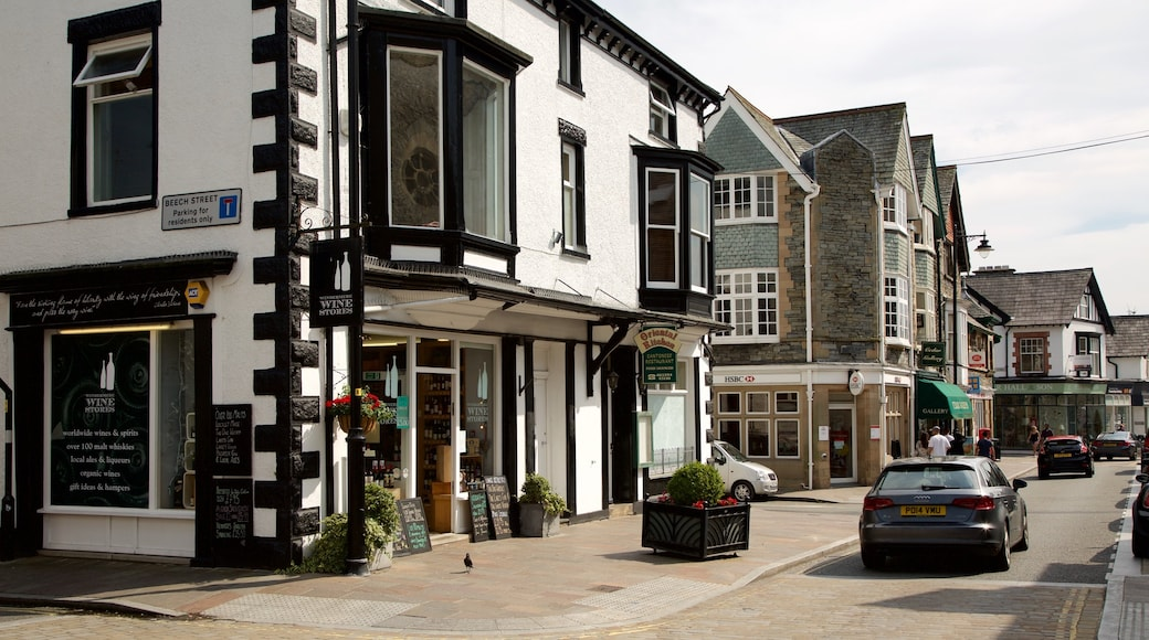 Windermere showing heritage architecture, signage and street scenes