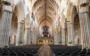 エクセター大聖堂, エクセター   エクスペディア