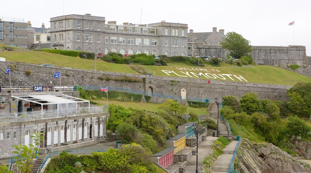 Citadelle royale mettant en vedette château