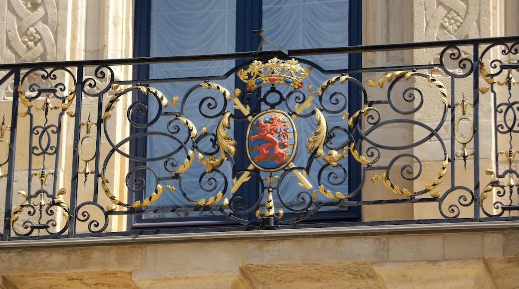 Großherzoglicher Palast welches beinhaltet Palast oder Schloss, Geschichtliches und historische Architektur