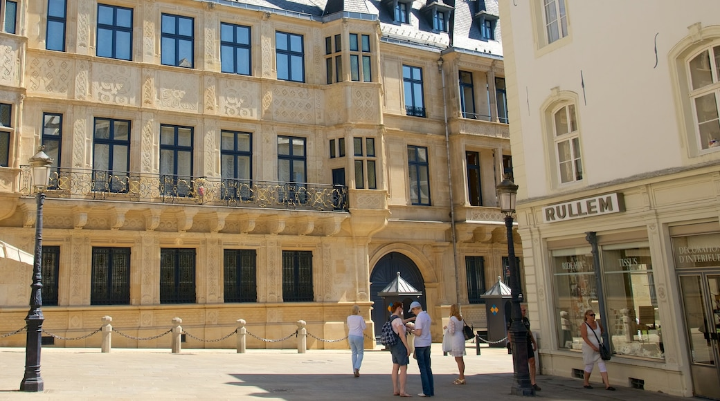 Großherzoglicher Palast das einen Geschichtliches, Burg und historische Architektur