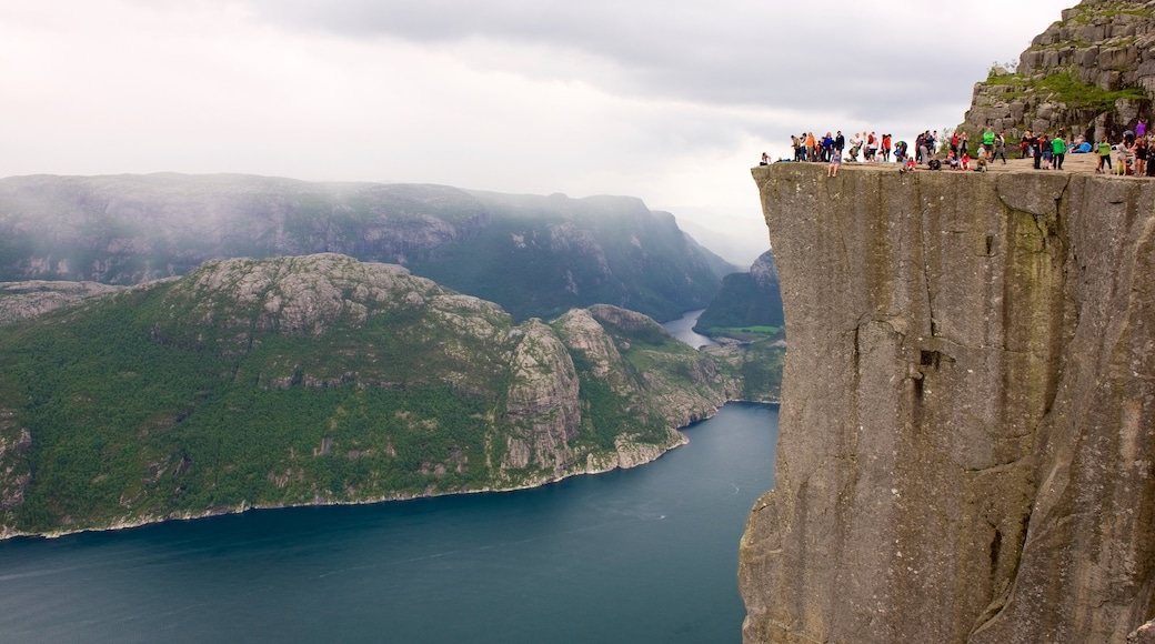 Preikestolen showing a lake or waterhole, views and mountains