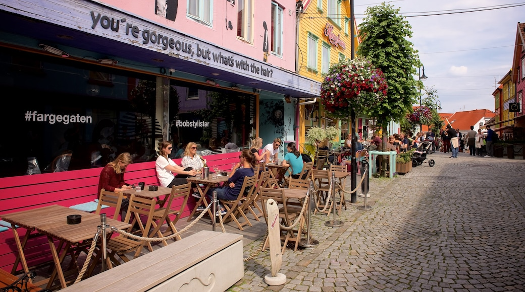 Stavanger featuring café lifestyle, outdoor eating and a small town or village