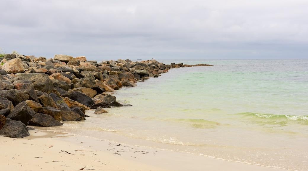 Plage de Bleik mettant en vedette plage de sable