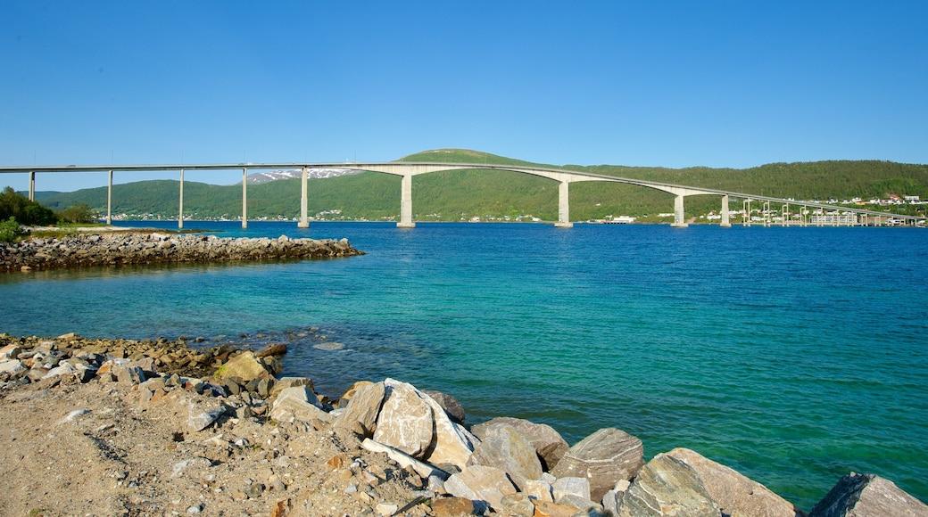 Finnsnes fasiliteter samt kyst og bro