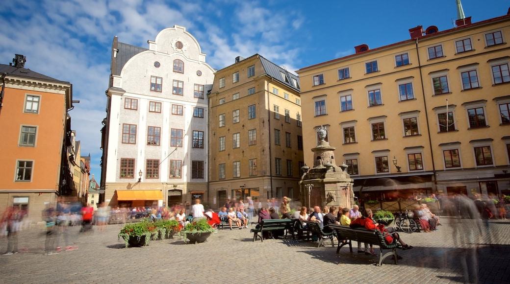 Stortorget que incluye patrimonio de arquitectura y un parque o plaza