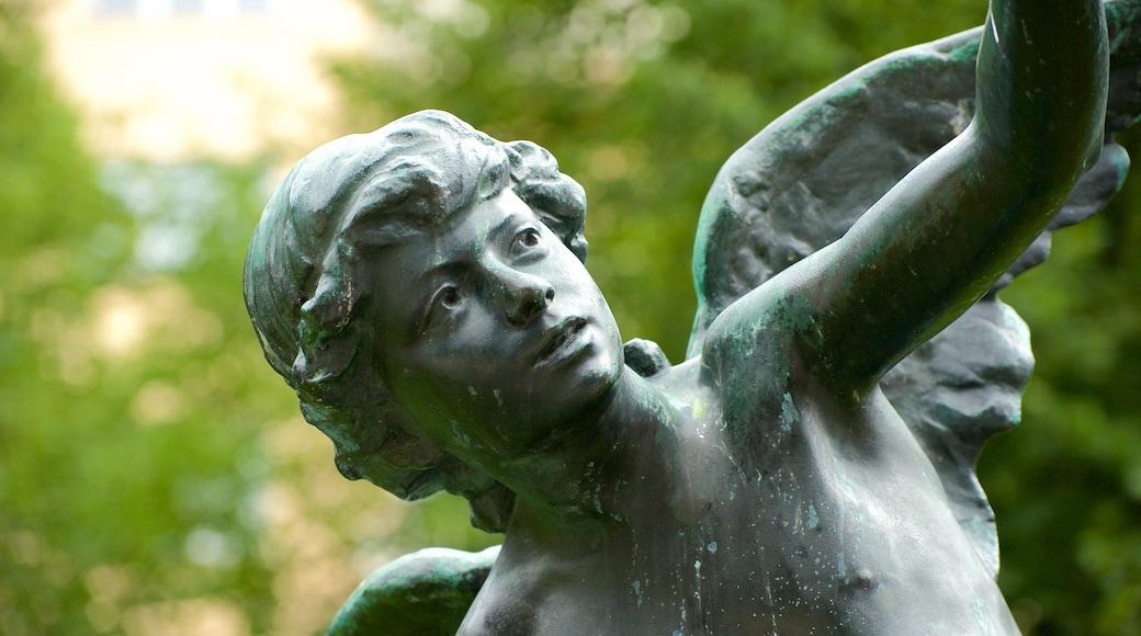 Mariatorget johon kuuluu patsas tai veistos