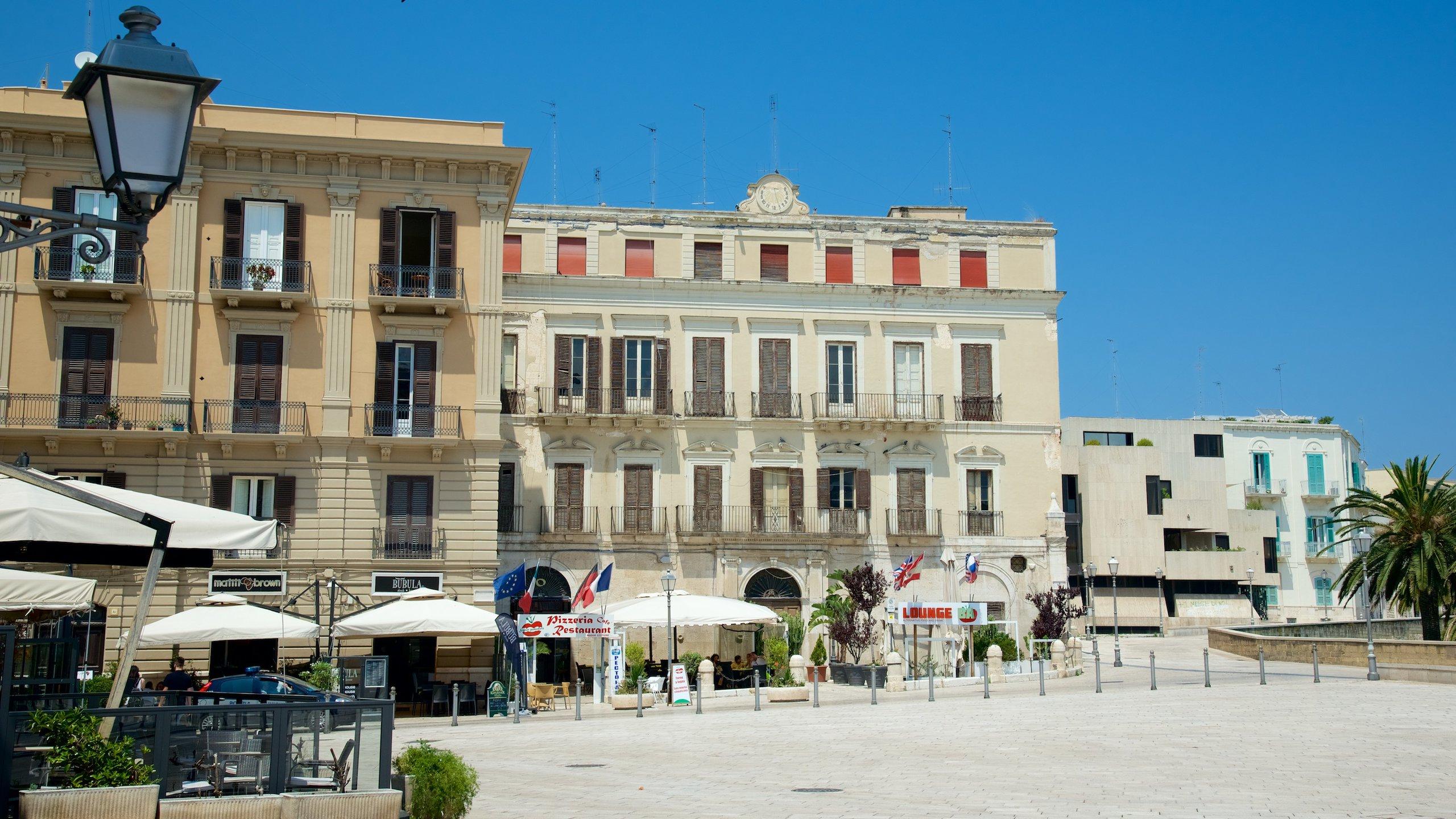 Piazza del Ferrarese, Bari, Puglia, Italy